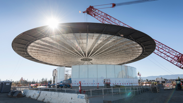 "The roof of Apple's new ""Theatre"" suspended in mid-air (photo via mashable)"
